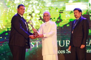 Kanishka Weeramunda bags two awards at the CMI Excellence Awards